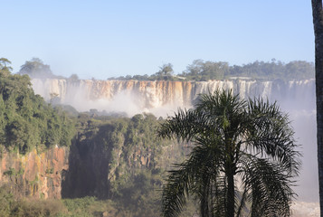 Cataratas del Iguazú, limite entre Argentina y Brasil. Una de las siete maravillas del mundo, UNESCO.