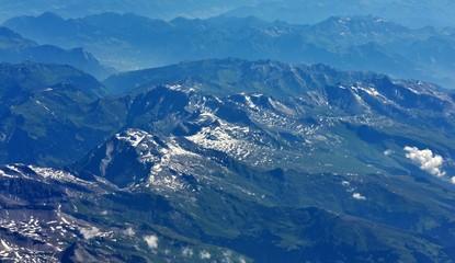 vue aérienne...alpes suisses