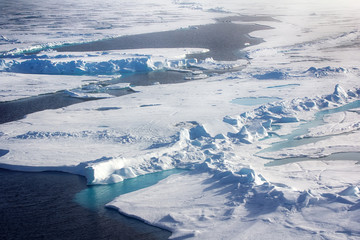 ice at the North pole and near in 2016