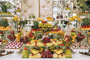 Fruit receptions at the wedding