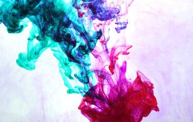 чернила яркие в воде как фон текстура