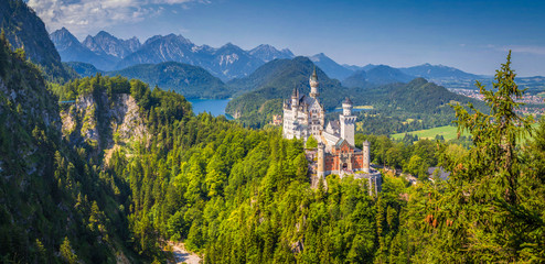 Schloss Neuschwanstein in summer, Bavaria, Germany Wall mural