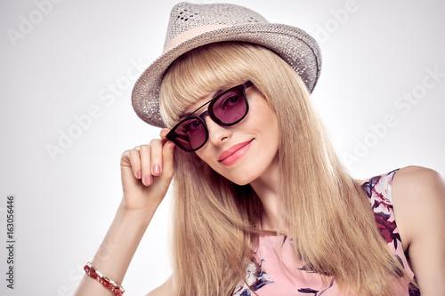 b3b365513 Fashion Portrait Sexy Blond Model in Stylish Sunglasses. Beauty Sensual  Lady