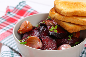 baked beetroot and garlic with toast