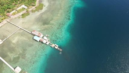 海 グラデーション Indonesia 青 トロピカル 空撮 常夏 珊瑚 島 バカンス 空 ボート