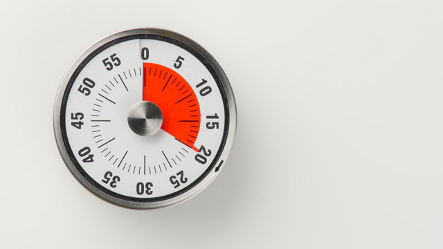 Vintage analog kitchen countdown timer, 20 minutes remaining