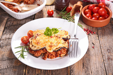 eggplant,beef and tomato sauce