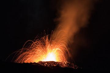 Eruption volcan février 2017 - Ile de la Réunion Fototapete