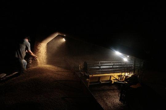 Colheita de soja noturna