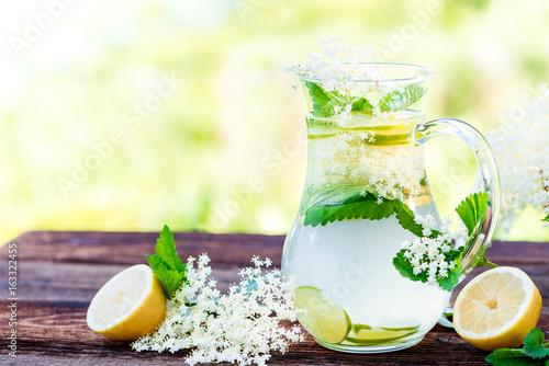 Holunder Detox Getränk - Powerdrink - Erfrischung im Sommer ...