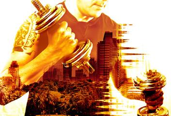 Deportes,gimnasia y vida saludable .Hombre entrenando con pesas.Fondo abstracto con doble exposición