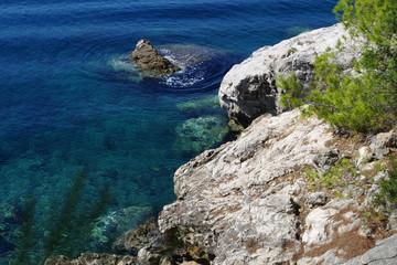 Skaliste wybrzeże Korculi