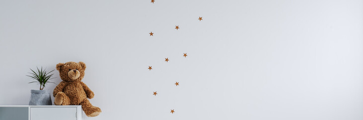 Stars stickers in baby's room