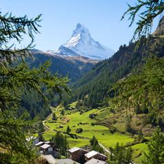 Fototapete - Blick auf das Matterhorn und die Schweizer Alpen, Zermatt, Schweiz