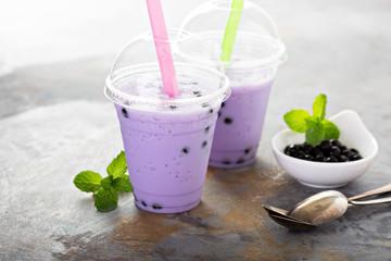 Berry bubble tea