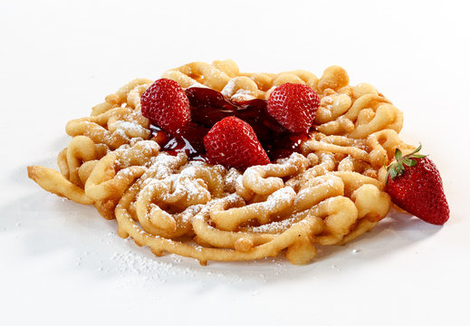 funnel cake w/strawberries