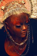 Mannequin head with metal headwear