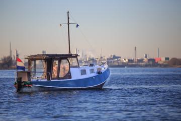 Boot auf einem Fluß 15