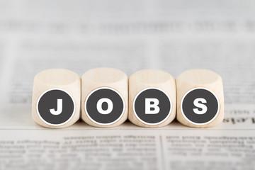 """Würfel bilden das Wort """"Jobs"""""""