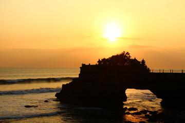 Coucher de soleil sur Tanah Lot Indonesie