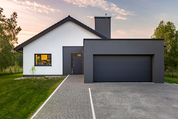 Modern house with garage Fototapete