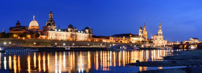 Fototapeta Altstadt Dresden in der Dämmerung