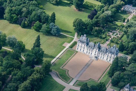Vue aérienne du château de Cheverny en France