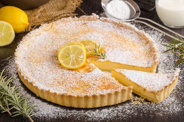 Delish leamon tart