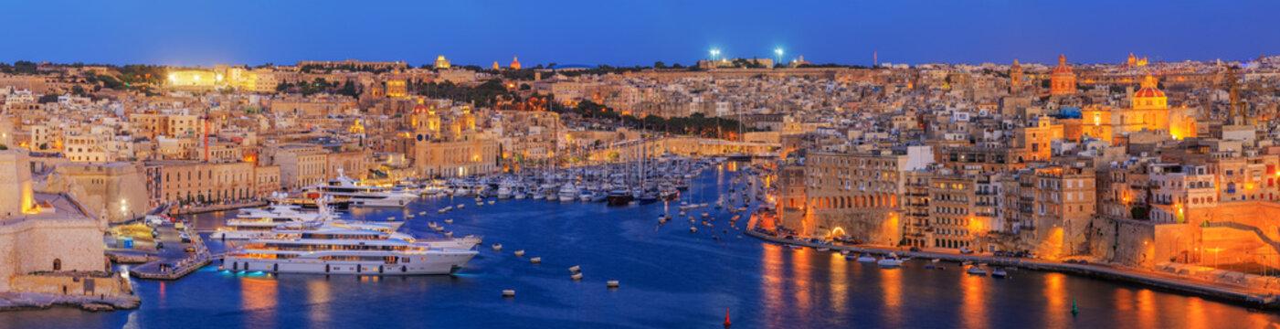 view to Great Harbor at sunset from Upper Barrakka Gardens, Valetta, Malta