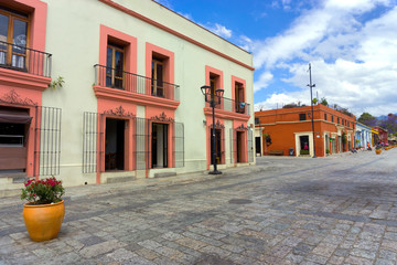 Fototapete - Colonial Architecture in Downtown Oaxaca