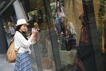 Shopper woman shopping outside