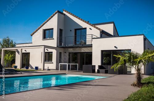 jolie maison contemporaine\