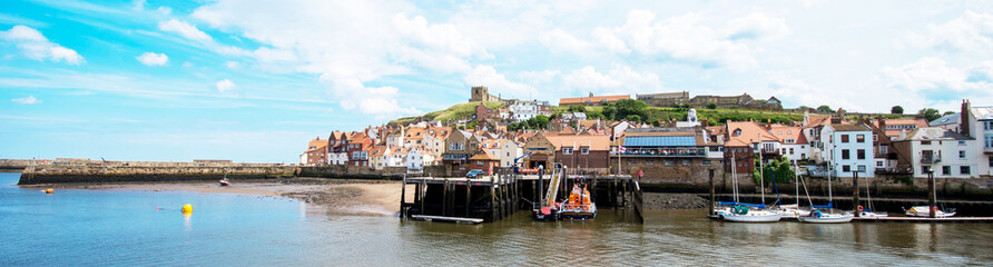 Fotorolgordijn Kust Whitby Harbour, North Yorkshire
