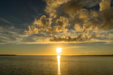 瀬底島の瀬底ビーチ・夕陽