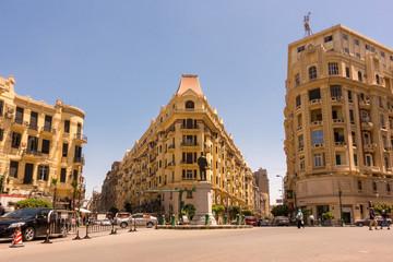 Famous Talaat Harb Square in downtown Egypt Papier Peint