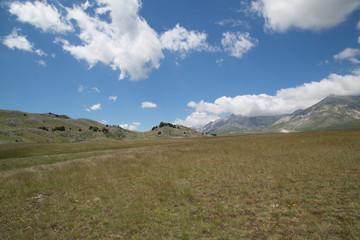Panorama, Parco Nazionale Gran Sasso e Monti della Laga, inizio dell'estate