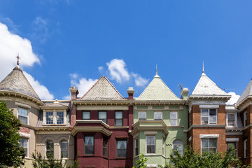 Row houses in the Washington DC neighborhood of Bloomingdale on a summer day. Fotomurales