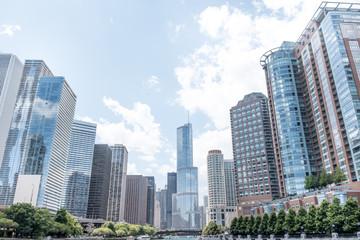 Scyscrapers along Chicago river