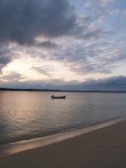 沖縄のビーチの夕景