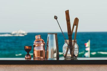 Strumenti da barman bartender a mare