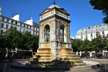 Aluminium Prints Fontaine Fontaine des Innocents à Paris, France