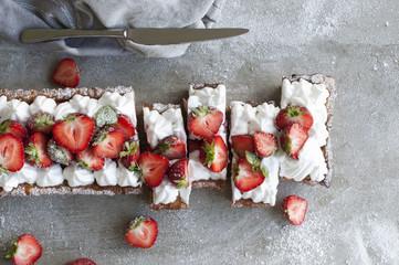 Strawberry Tart (Meringue or Whipped Cream)