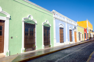 Fototapete - Colonial Street in Campeche