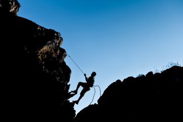 improvise simple climbing
