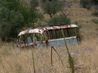 rostiger Bus