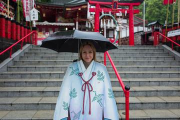 blonde girl in kumamoto