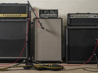 Guitar amplifiers in recording studio