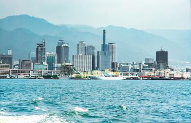 夏・神戸開港150年の風景