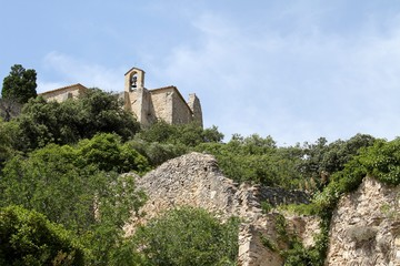 le village de Saint-Saturnin-lès-Apt en provence dans le Vaucluse