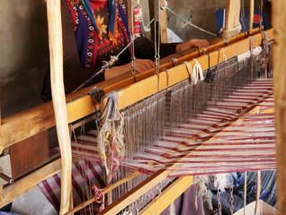 Textile weaving loom